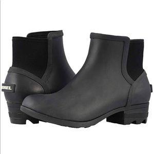 Sorel NWT Janey Chelsea Boot - Black/Sea Salt.